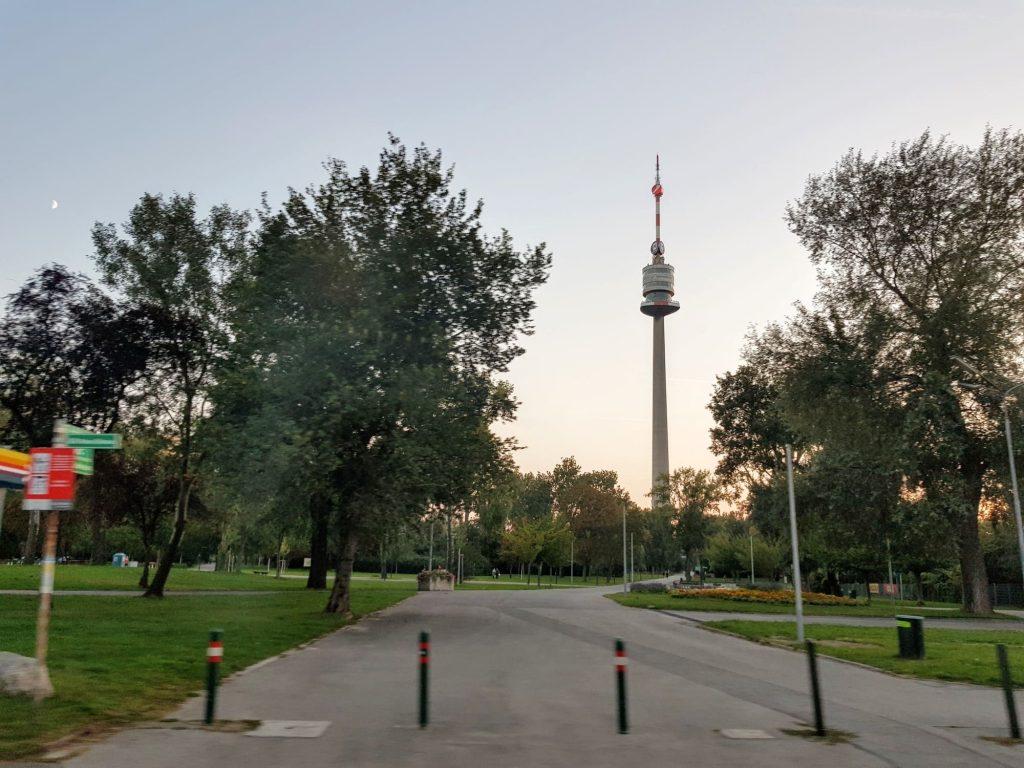 Кулата на Дунав, Виена