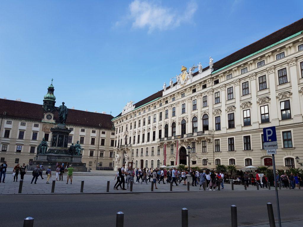 Дворецът на принцеса Сиси, фасада, Виена